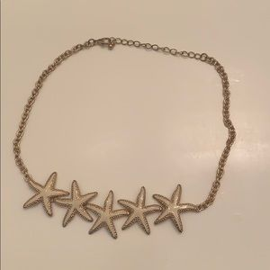 White/Gold Francesca's Starfish necklace